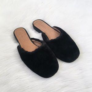 Topshop Black Faux Fur Fuzzy Sildes Flats Mules